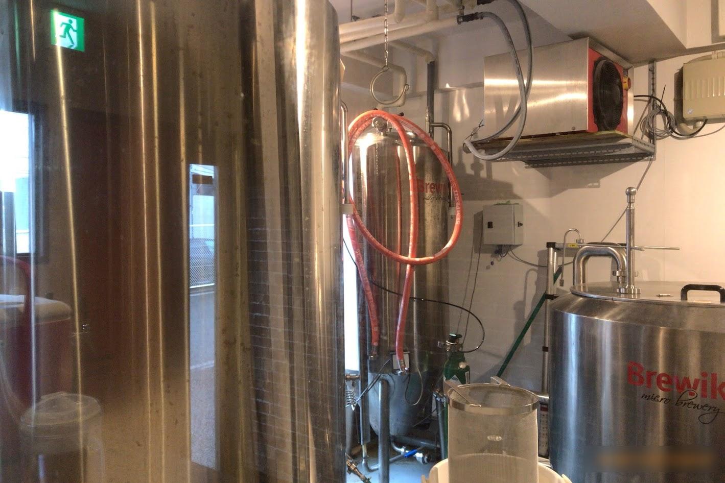 ビール貯蔵タンク