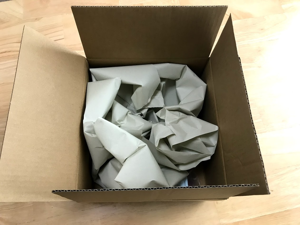 箱と梱包材