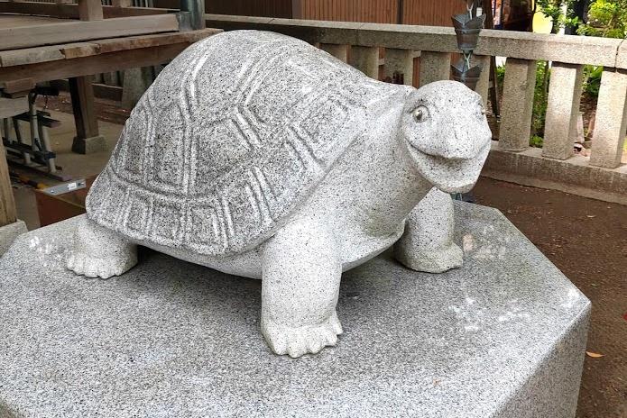 亀岡八幡宮の亀